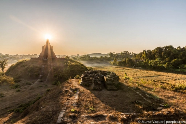 Mrauk U temples at sunset, Myanmar (Burma)